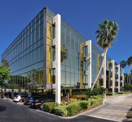 Cushman & Wakefield Arranges $8.5M Sale of Commerce Pointe Gold