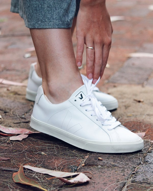 VEJA ESPLAR Sustainable Trainers