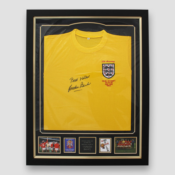 068652fd4e5 England 66 World Cup retro goal keeper shirt signed by Sir Gordon ...