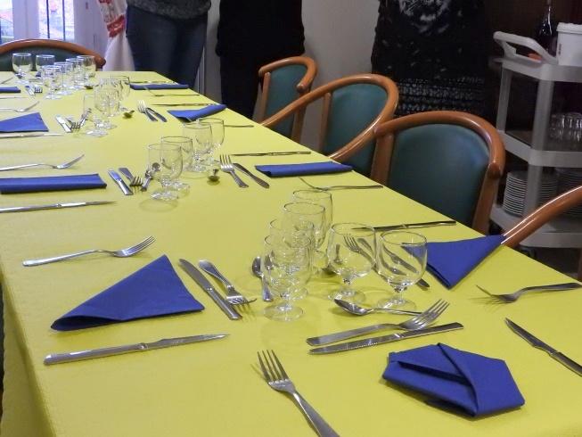 Les Agents Hospitaliers en analyse du dressage de table