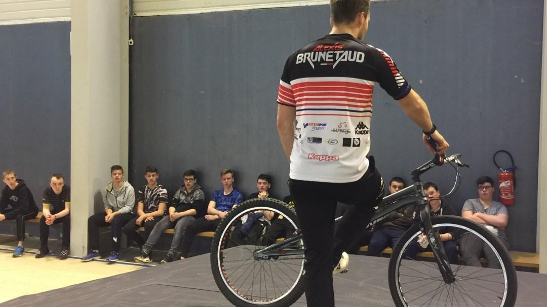 Au Tour Du Vélo Vendéspace Mars 2018 3è CFA MFR PuySec (118)