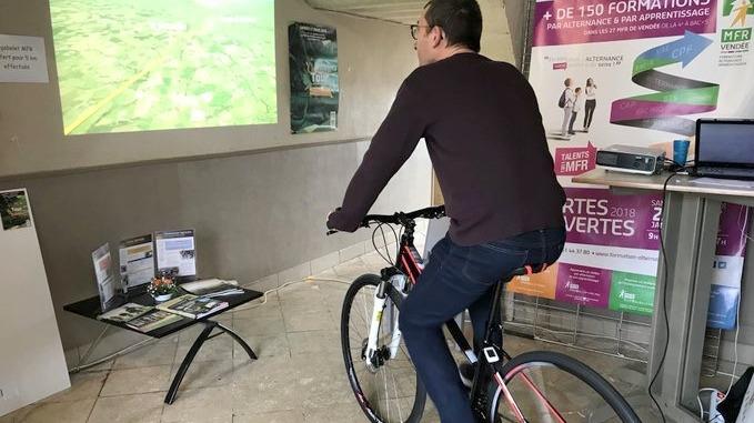 Un agriculteur contemple sa plaine sur le vélo ! Bravo Didier FAIVRE. Administrateur et Agriculteur.