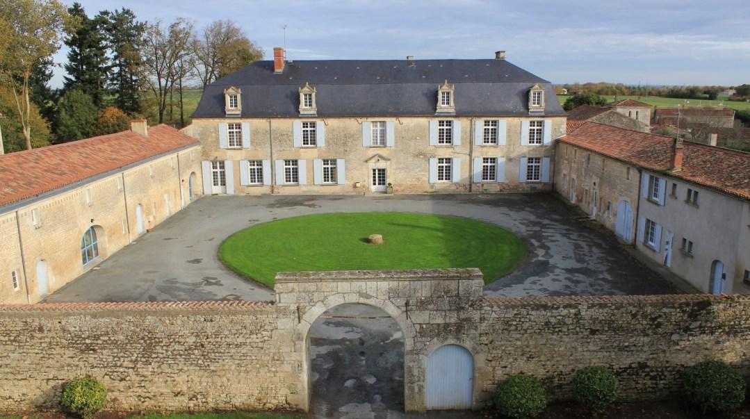 tarifs location accueil groupe CFA MFR Puy-Sec les extérieurs
