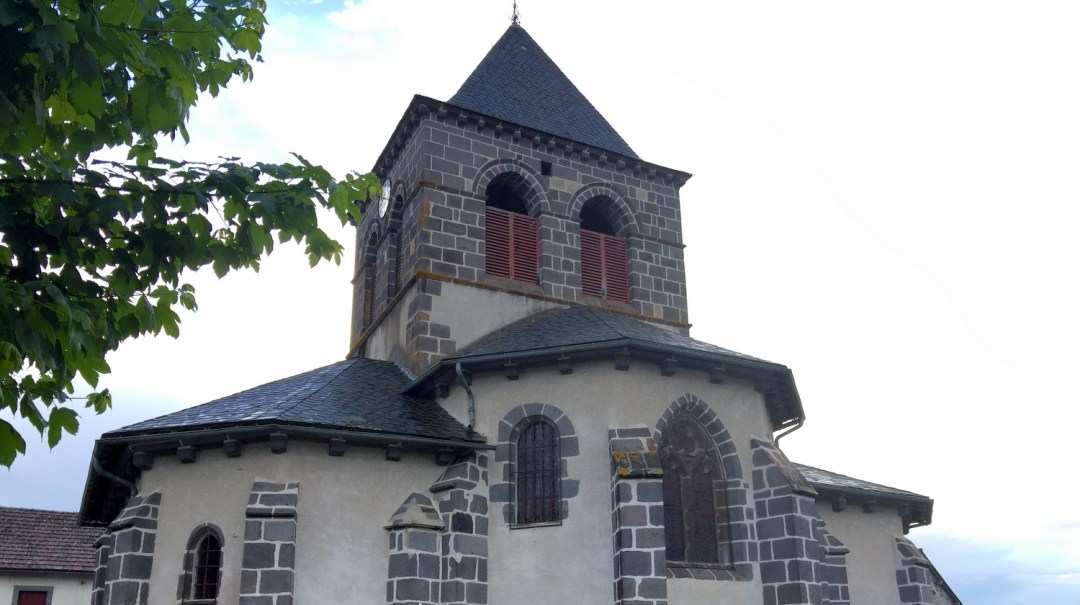 Auvergne Départ de Saint-Martin-de-Fraigneau à Saint-Ours-les-Roches (39)