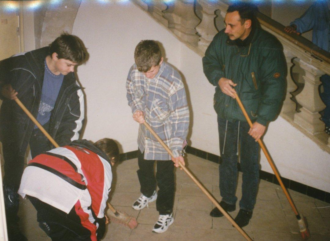 Archives anciens élèves mfr puy-sec 1996 Services du vendredi