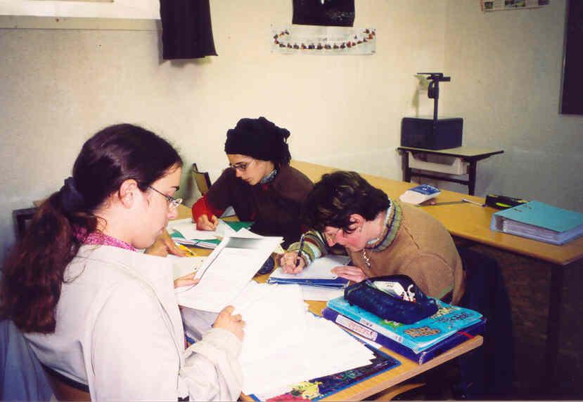 Archives anciens élèves mfr puy-sec 2001 w s groupe filles bepa2 classe