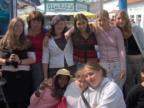 Mlle LORION-DUNOGUIEZ et les copines