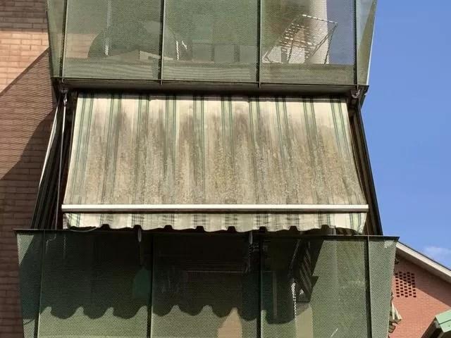Pulire le tende da sole con idropulitrice · spazza la superficie del telo con la scopa · spruzza il getto d'acqua miscelato a un detergente delicato specifico per. Tende Da Sole E Muffa Mf Tende Da Sole Torino