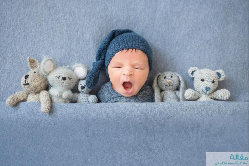 مراحل تطور طفلك في عامه الأول