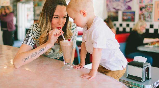 مجموعه من أساليب الأبوة والأمومة تؤثر على الأطفال