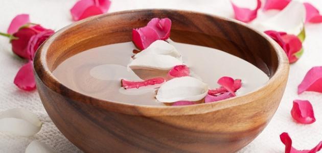 فوائد ماء الورد لبشره مشرقه و متوهجه