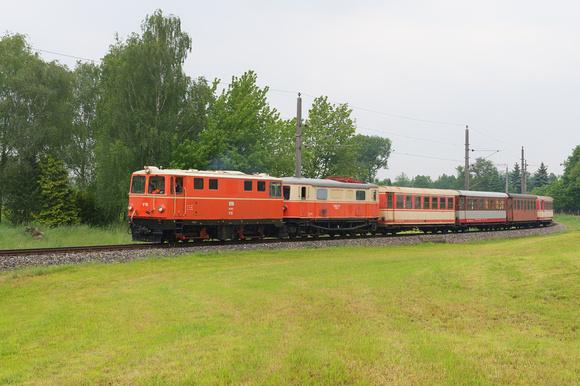 Baureihe 2095 mit Überstellungszug bei Nadelbach