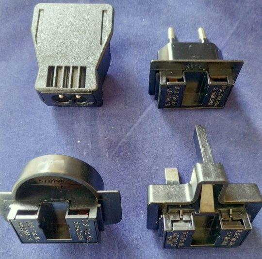 4 UND Original Iridium AC Charger Adapters for 9505a, 9555 and 9575 ( adapters only) New