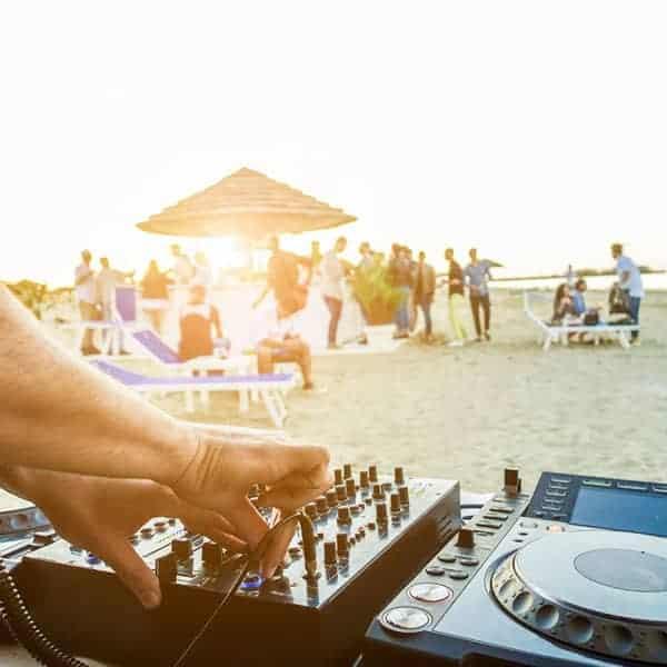 deejay-spiaggia-serata-milano-mi-ami