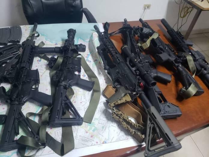 Haiti guns.jpg