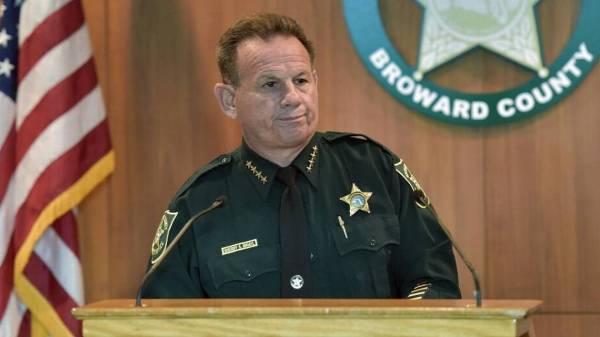 Disgraced Parkland deputy heard shots inside school ...