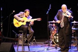 Federico Britos (violin) and Jorge García (guitar)