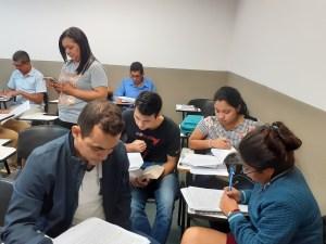 Estudiantes en sus actividades presenciales