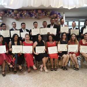 Estudiantes Graduados De Teología con Énfasis en Apologética de la Escuela de Estudios Teológicos