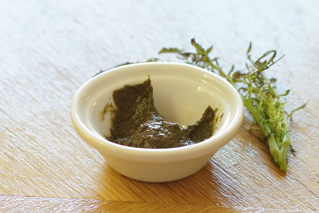 Mustard paste made from fresh mustard leaves, spices and local grains