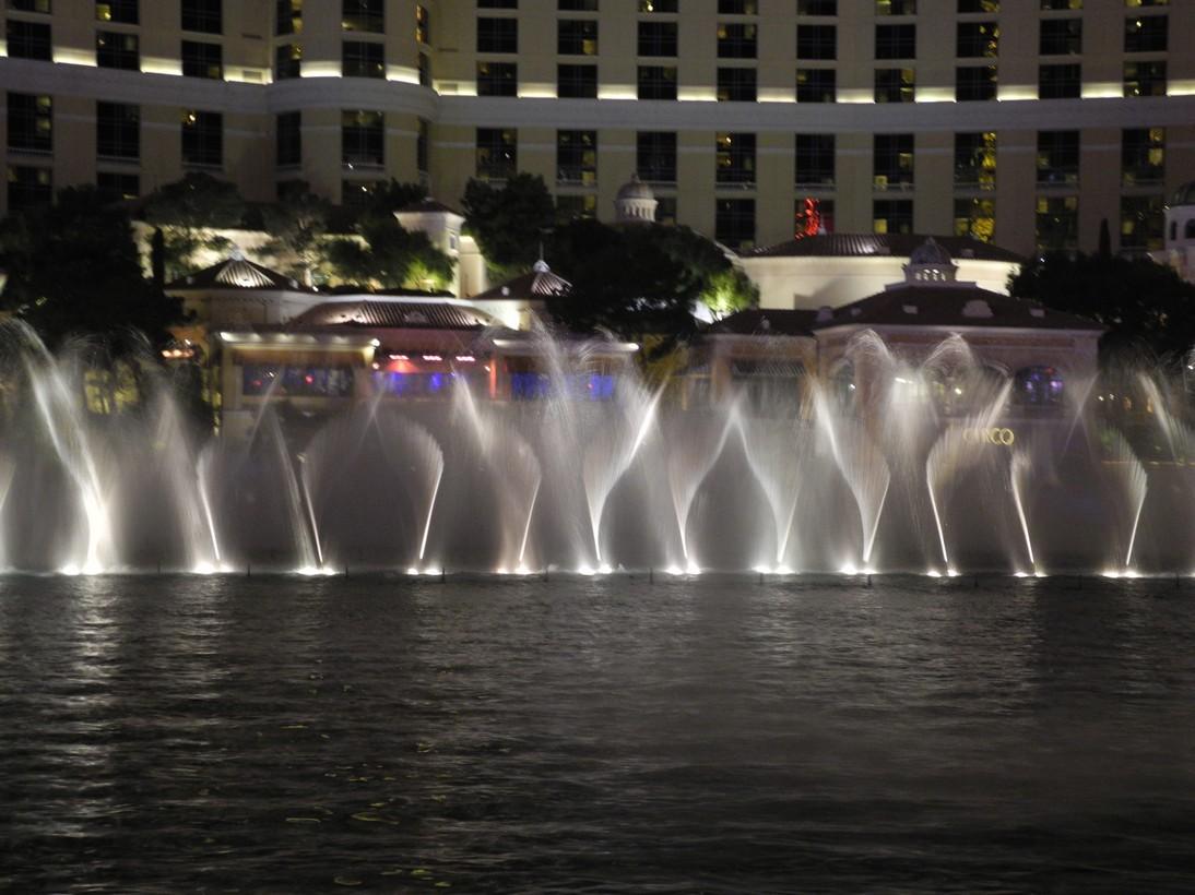Bellagio-fountains4