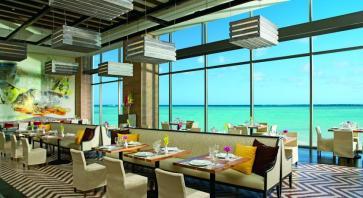 Desayuno Frente al Mar Hotel Secrets The Vine Cancun