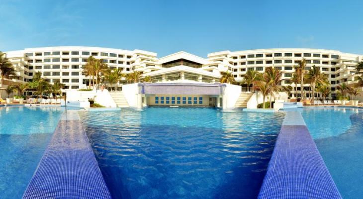 Alberca del Grand Oasis Sens Cancun