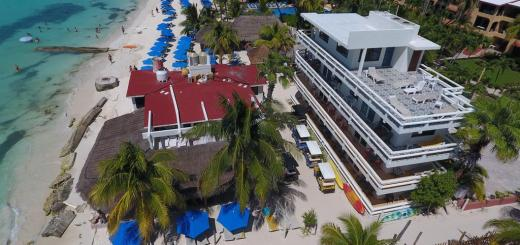ChiChis and Charlies Beachfront Hotel