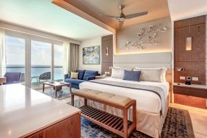 Royalton Suites Cancun Resort & Spa hotel 5 estrellas frente al mar