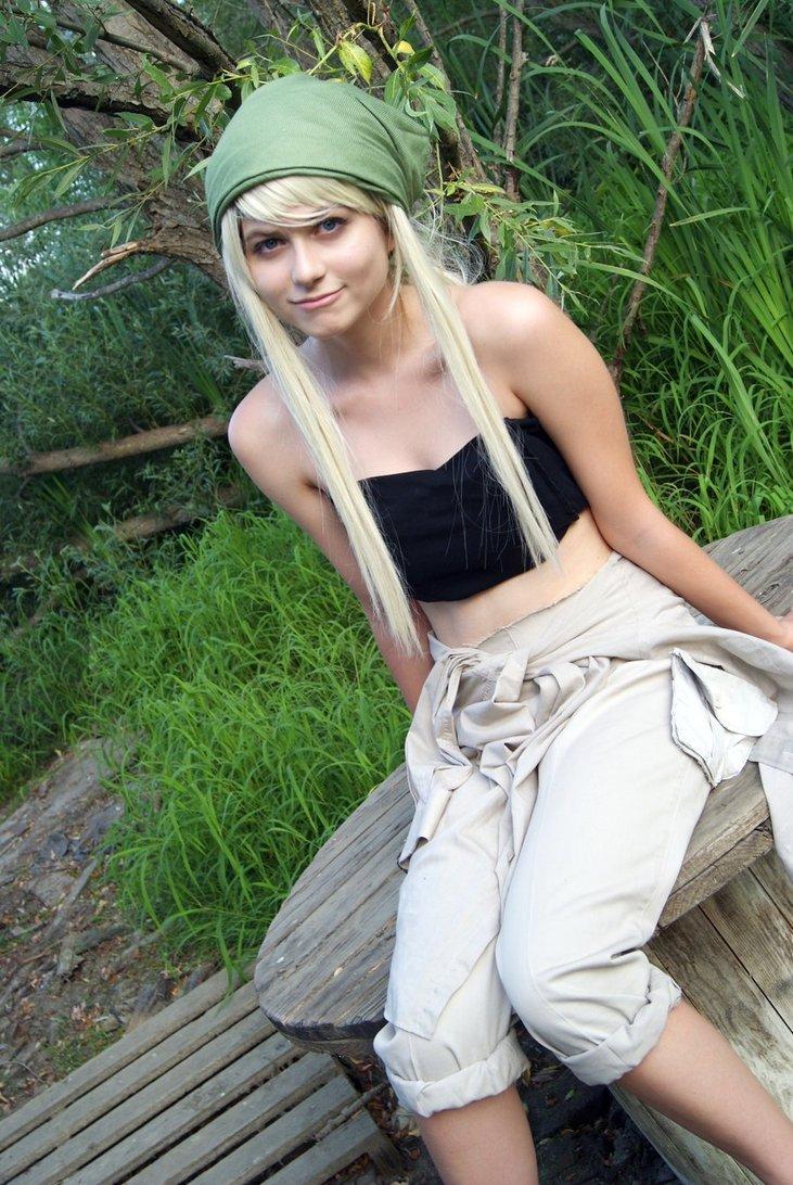 Winry fullmetal alchemist cosplay