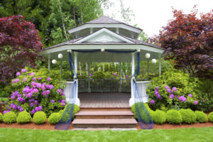 When to Hire a Landscaping Company