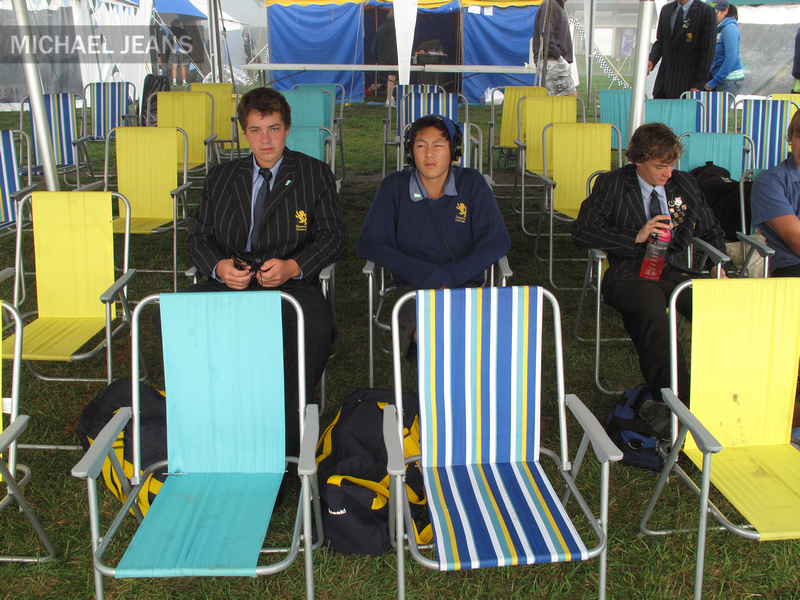 Coordinated deck chairs