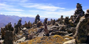 rock-cairns-in-tibet