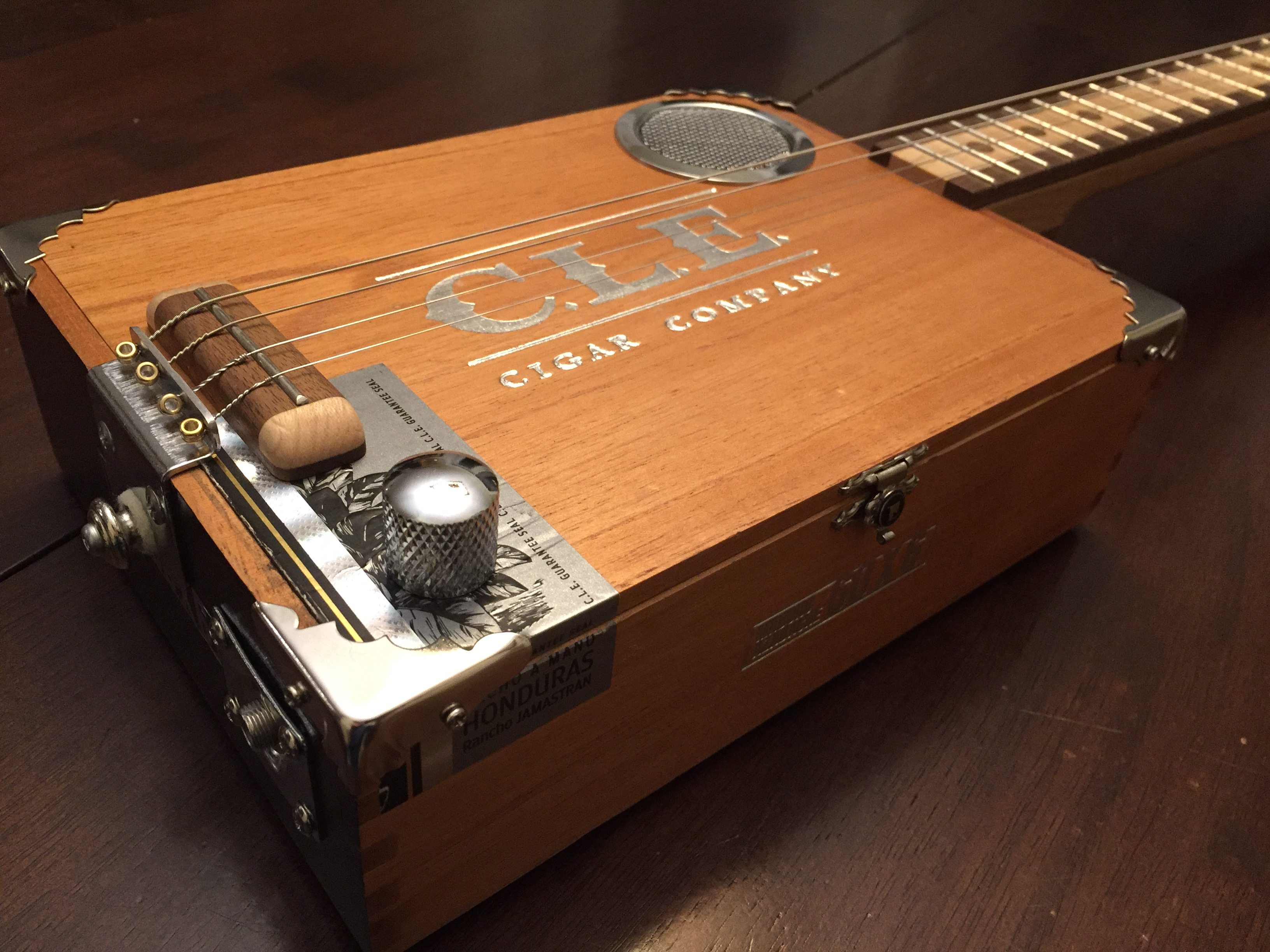 CLE Cigar Box Guitar Build - Strung and detailed