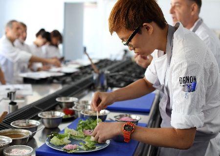 איסאן בתל אביב / מרק דגים וחצילים, טרטר בשר, עוף בארומטיים: מתכונים מצפון מזרח תאילנד