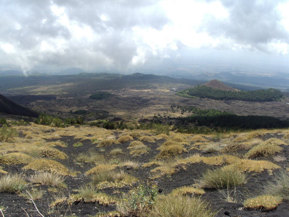 Trekking sull'Etna: 3 percorsi fai da te