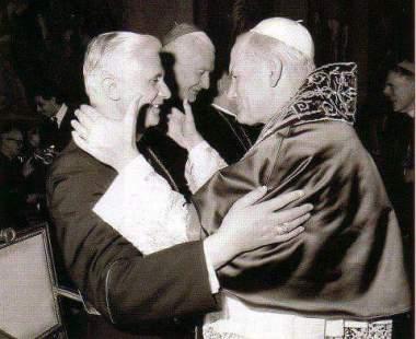 Papa Benedetto XVI e Papa Giovanni Paolo II