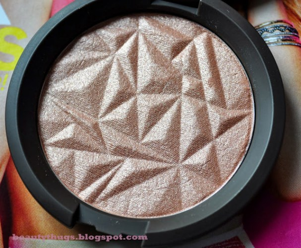 Glimmer and Glow: BECCA Rose Gold Shimmering Skin Perfector Pressed