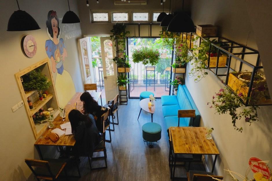 coco deli interior Hanoi