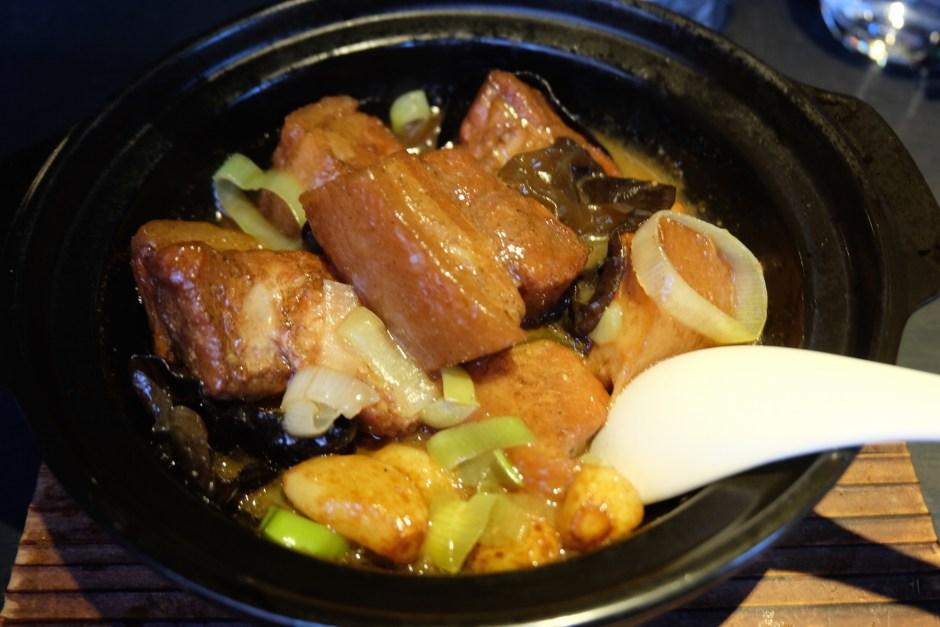 hakka organic pork belly claypot.JPG