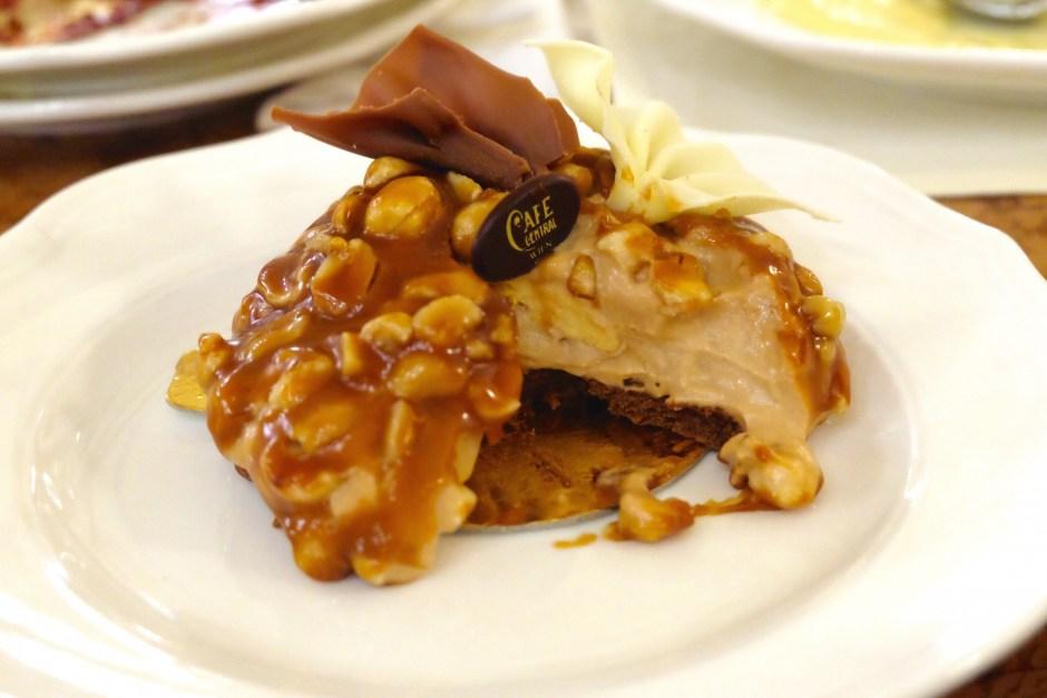Creme Brulee Peanut Caramel