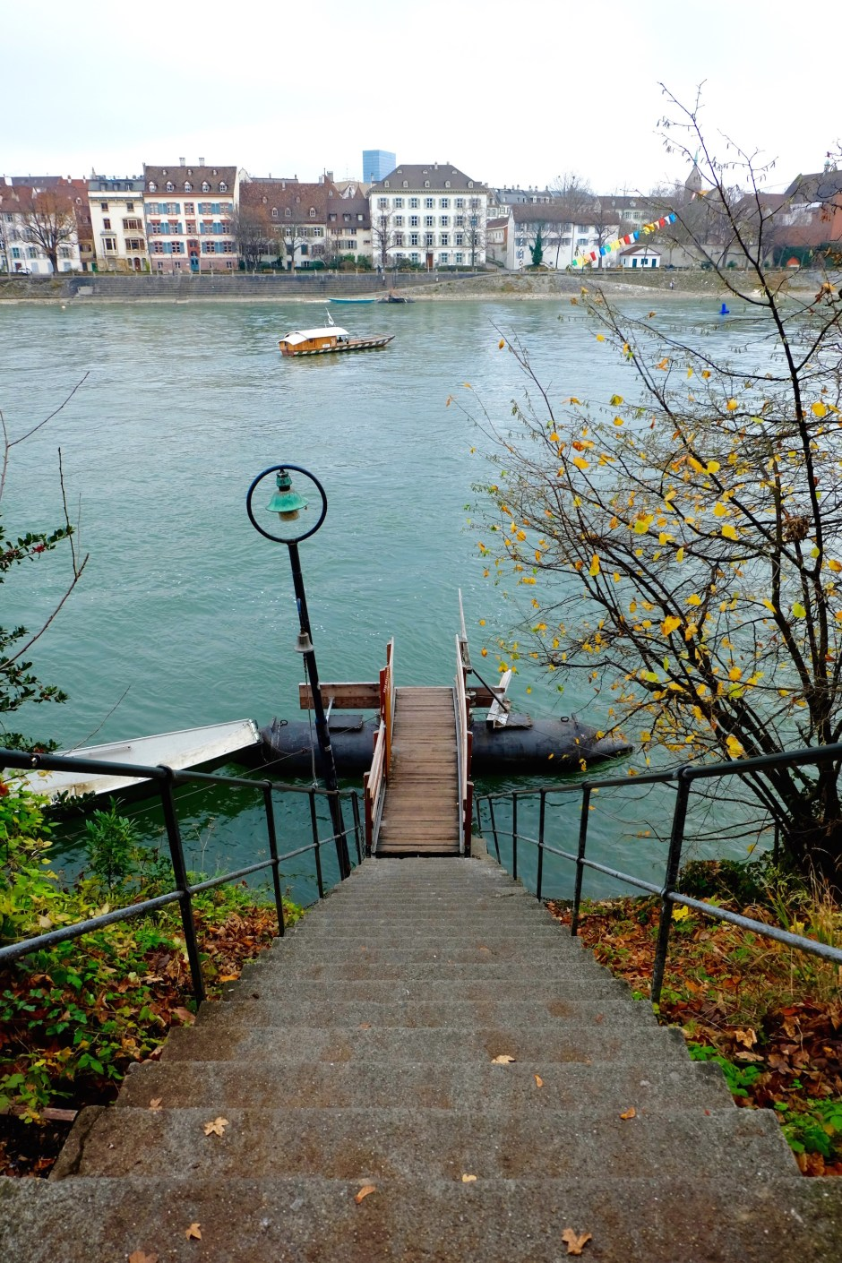 Steps to the boat