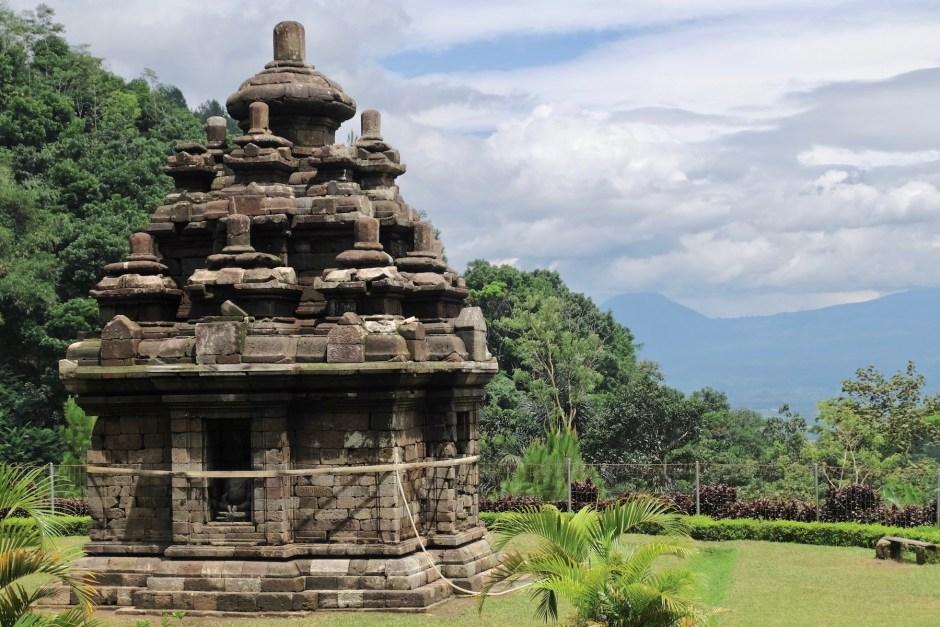 yogyakarta travel guide candi selogriyo