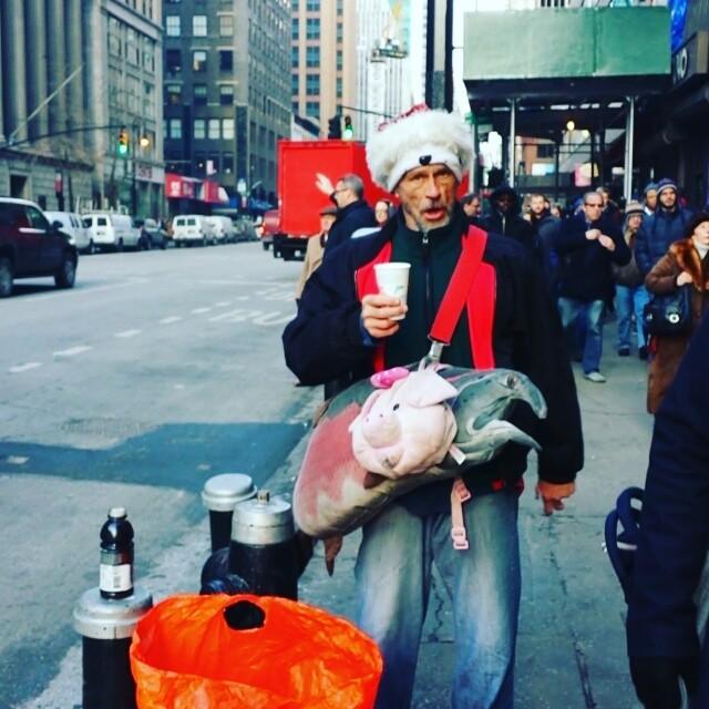 Alfred sang to me.  You can find him on YouTube.  #newyork #crazy #dontdodrugskids #singer #streetlife