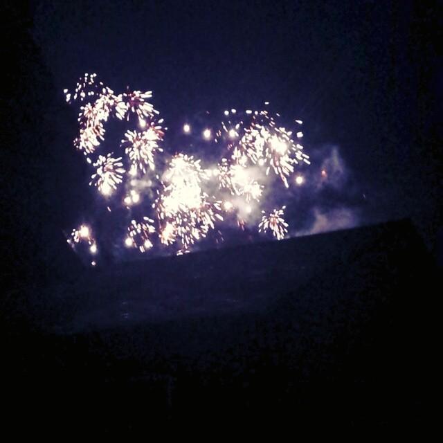 Fireworks over Tiana Bay #happy4th #4thofJuly #hamptons #hamptonbays #longisland #boom #suckitbrits #muerica