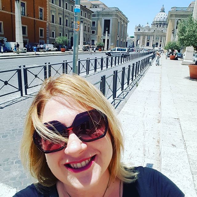 Selfie in front of St. Peter's #chebellaroma #roma #italy #sfpmusicitaly2016 #tuttelestradeportanoaroma