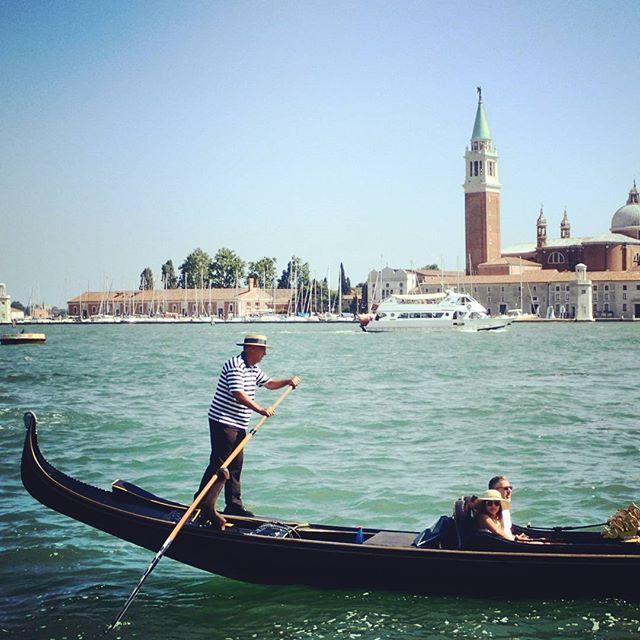 The Gondalier #veneto #Venice #italy #romantic #chebellavenezia