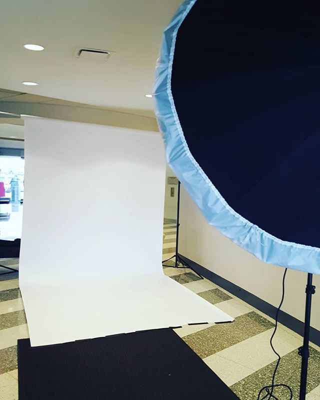 Today, I turned a hallway into a #photo #studio #corporateheadshots #corporate headshotphotographer #groupportrait #newyorkcorporateheadshots #newyorkcorporatephotographer