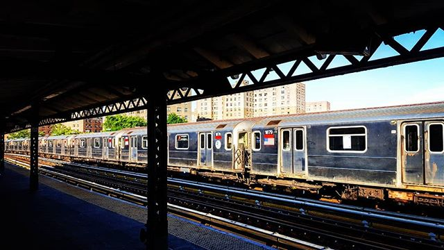 Diminishing Perspective #1train #thebronx #mta #nyc #newyork #newyorkcity #theel