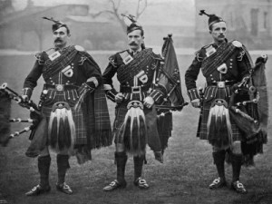 WWI bagpipes, Harry Luden, pipers, trenches, Cock o' the North, Edinburgh Tattoo, British Expeditionary Forces,Battle of Somme, BEF